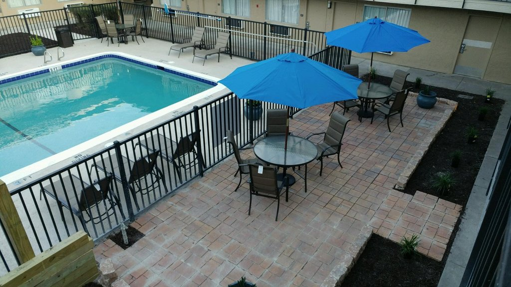 Dogwood Inn and Suites