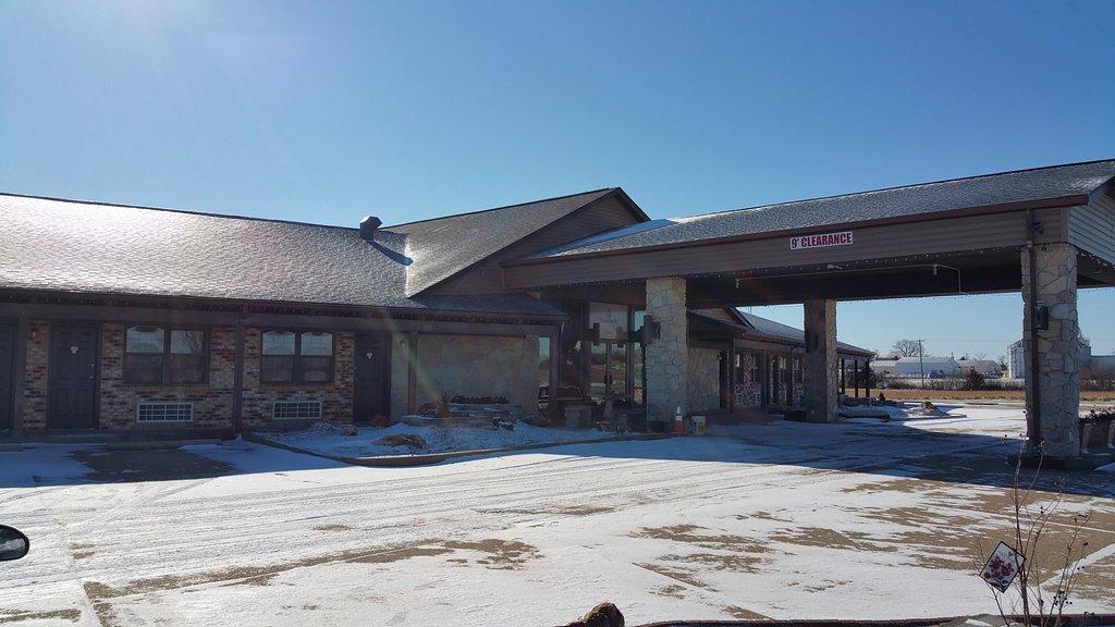 Owensville Motor Inn