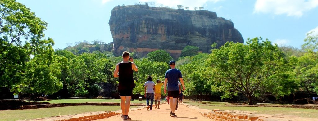 Taxi and Tours in Sri Lanka