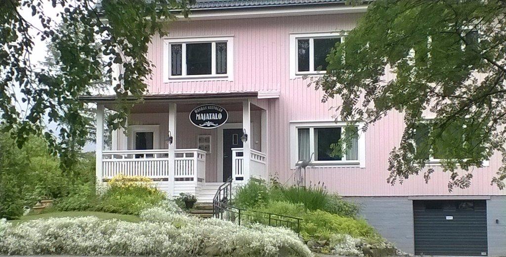 Wanha Neuvola Guesthouse