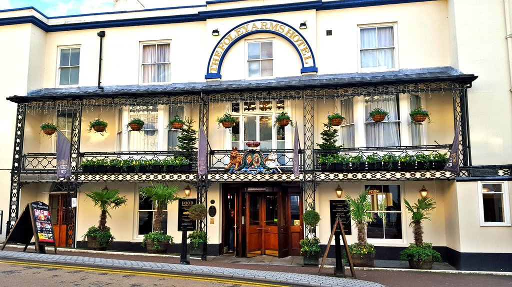 Foley Arms Hotel - JD Wetherspoon Hotel