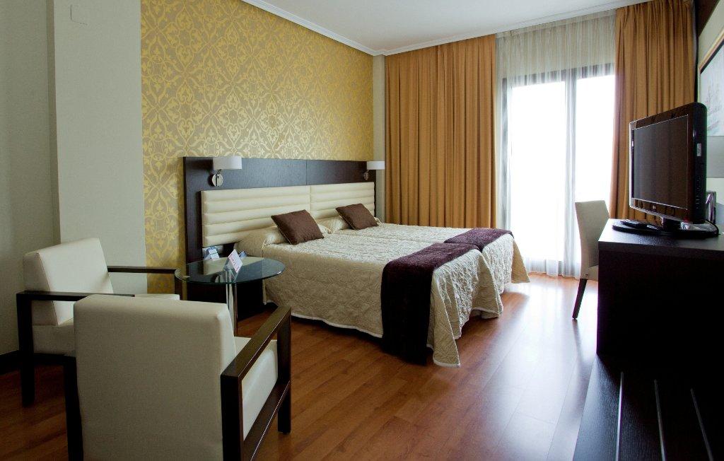 Monte Puertatierra Hotel