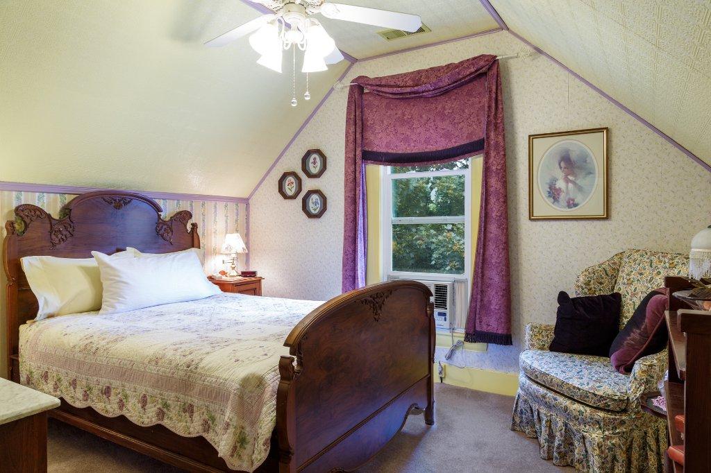 Roseberry House Bed & Breakfast