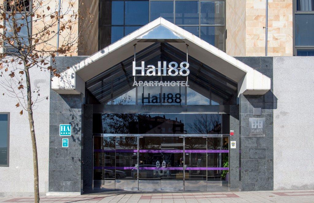 Hall 88 Apartahotel