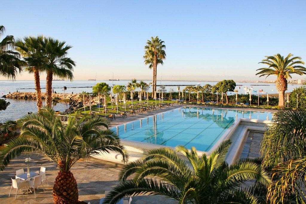 利馬索爾皇冠假日酒店