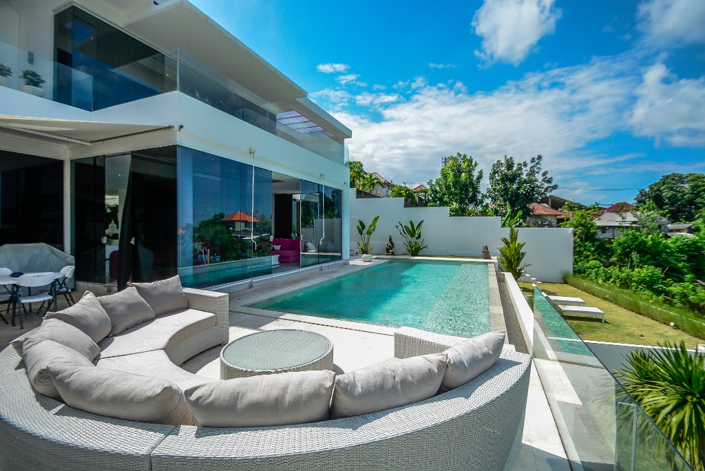 Home Bali Home Villa and Suites