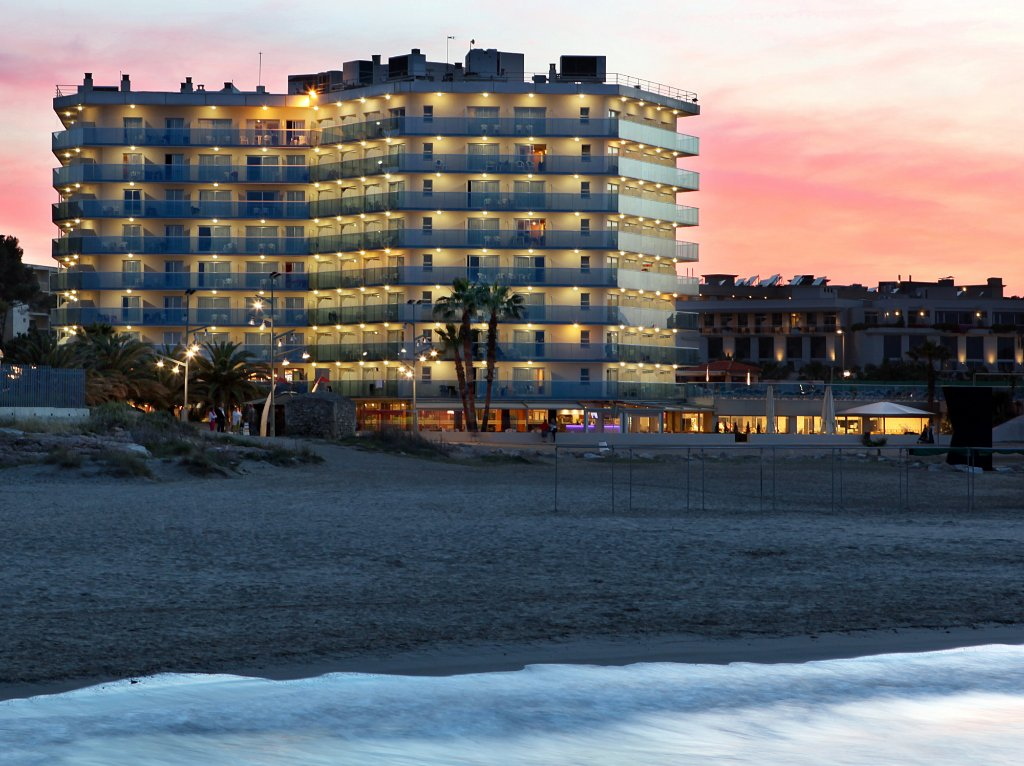 Golden Donaire Beach Hotel