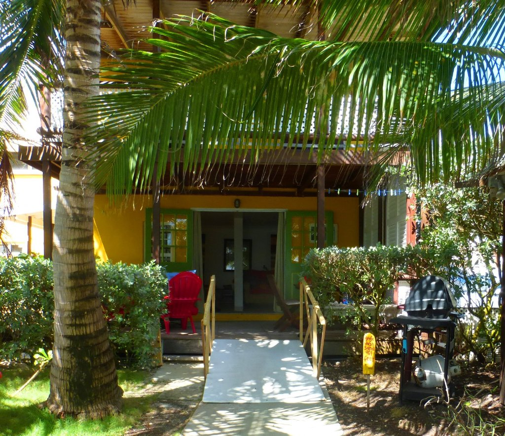 Surfer's Point Guest House