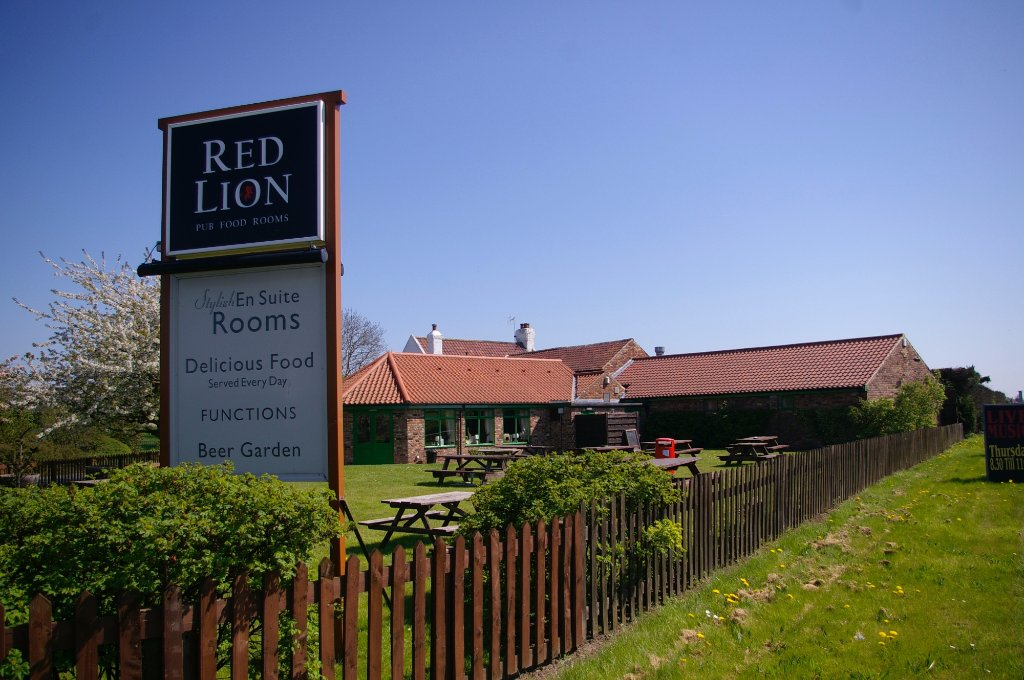 The Red Lion Country Inn & Rooms