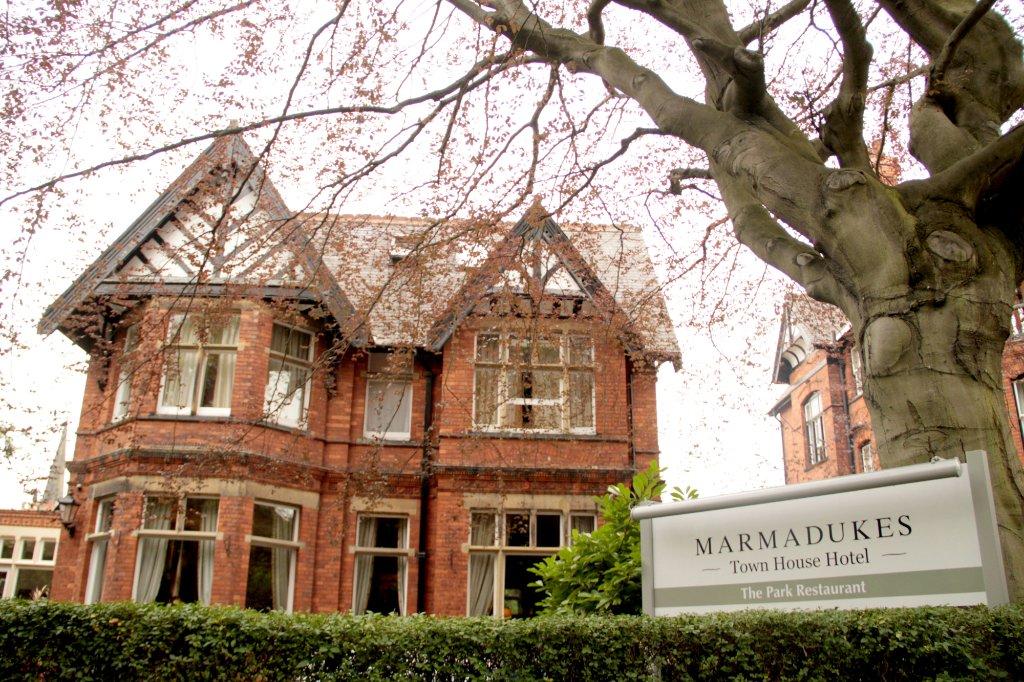 마마듀크스 호텔