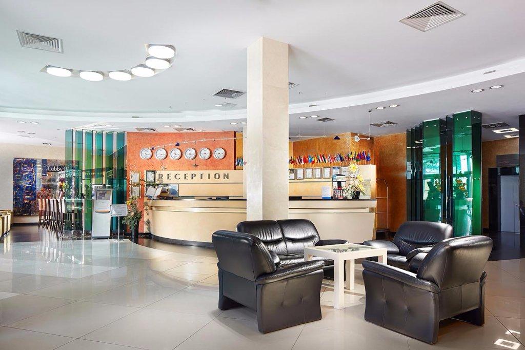Victoria Hotel & Business Centre