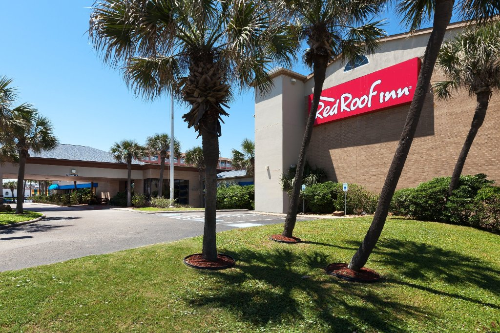 Red Roof Inn Galveston - Beachfront/Convention Center
