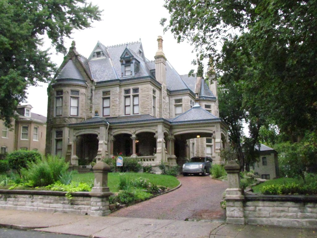 Shakespeare Chateau Bed & Breakfast