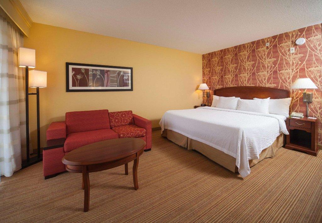 瓦爾多斯塔萬怡飯店