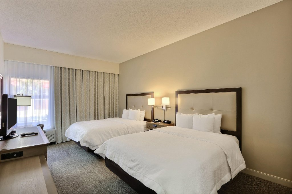 薩凡納 95 號州際公路里奇恒庭飯店