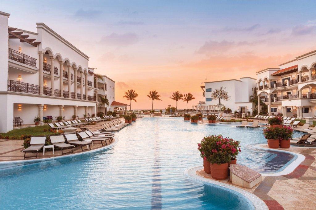 皇家卡門海灘溫泉全包渡假村