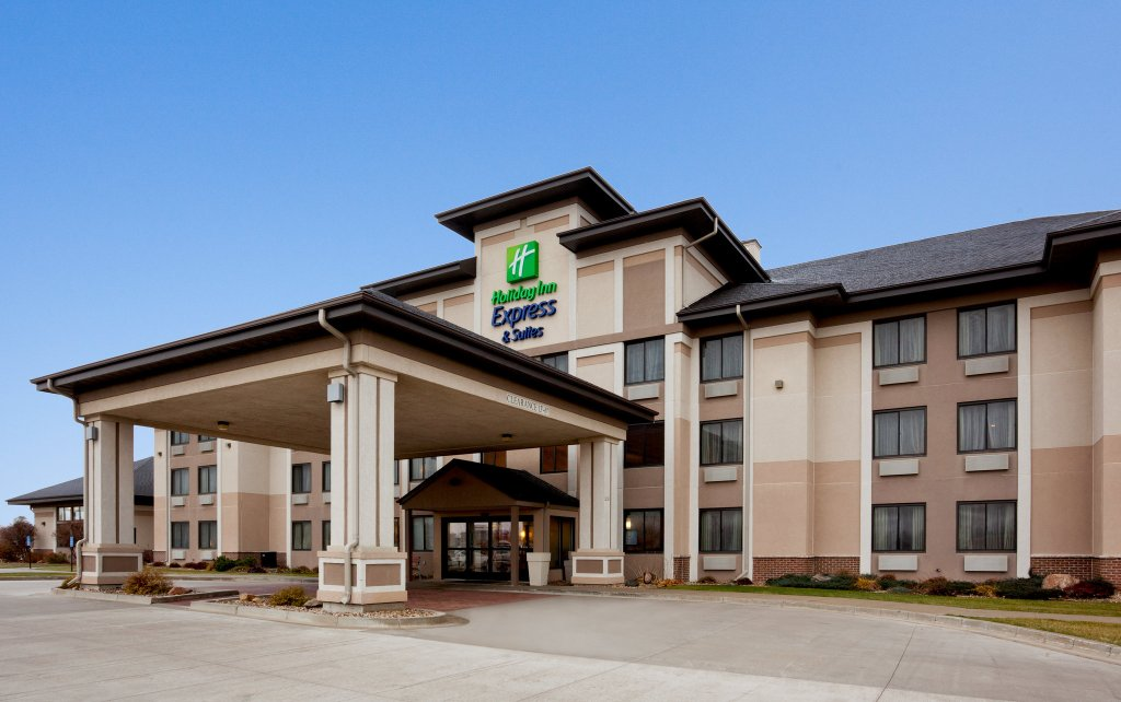 Holiday Inn Express Worthington