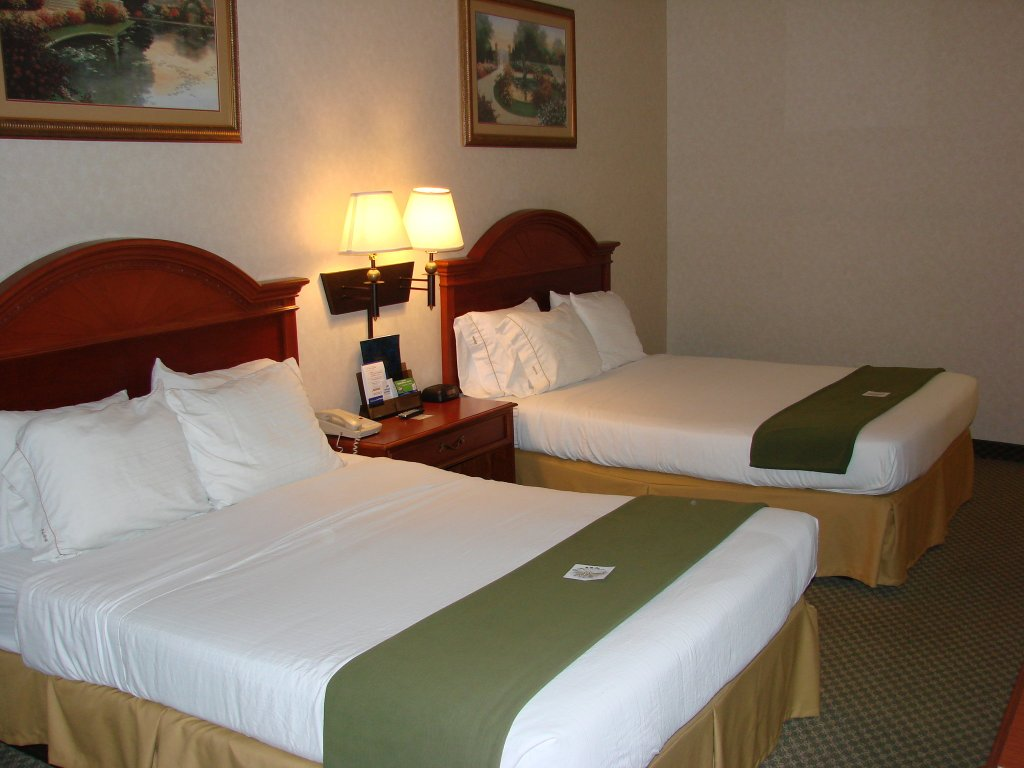 Holiday Inn Express Hotel & Suites Elkhart-South