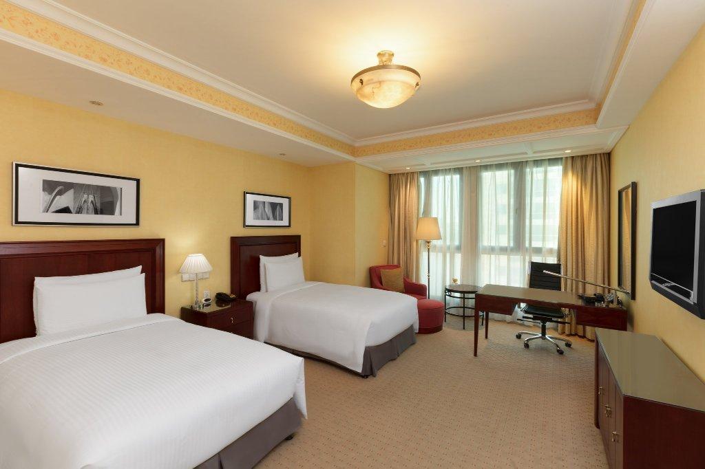 世紀皇冠假日酒店
