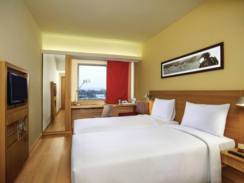 Hotel Ibis Bengaluru Hosur Road