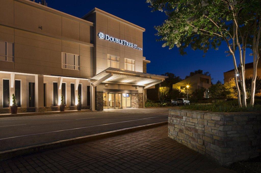 拉雷布朗斯通大學希爾頓希爾頓逸林酒店
