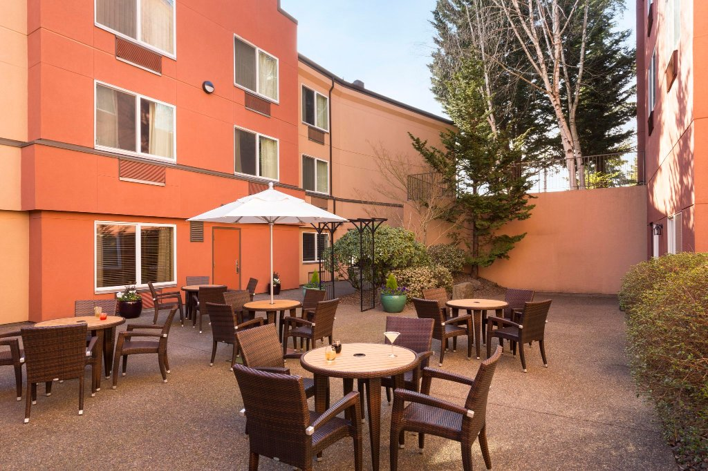 DoubleTree by Hilton Hotel Portland - Tigard