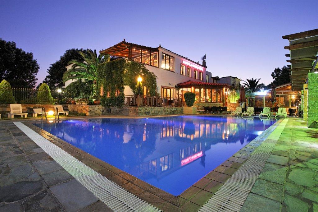 Castello Rosso Hotel