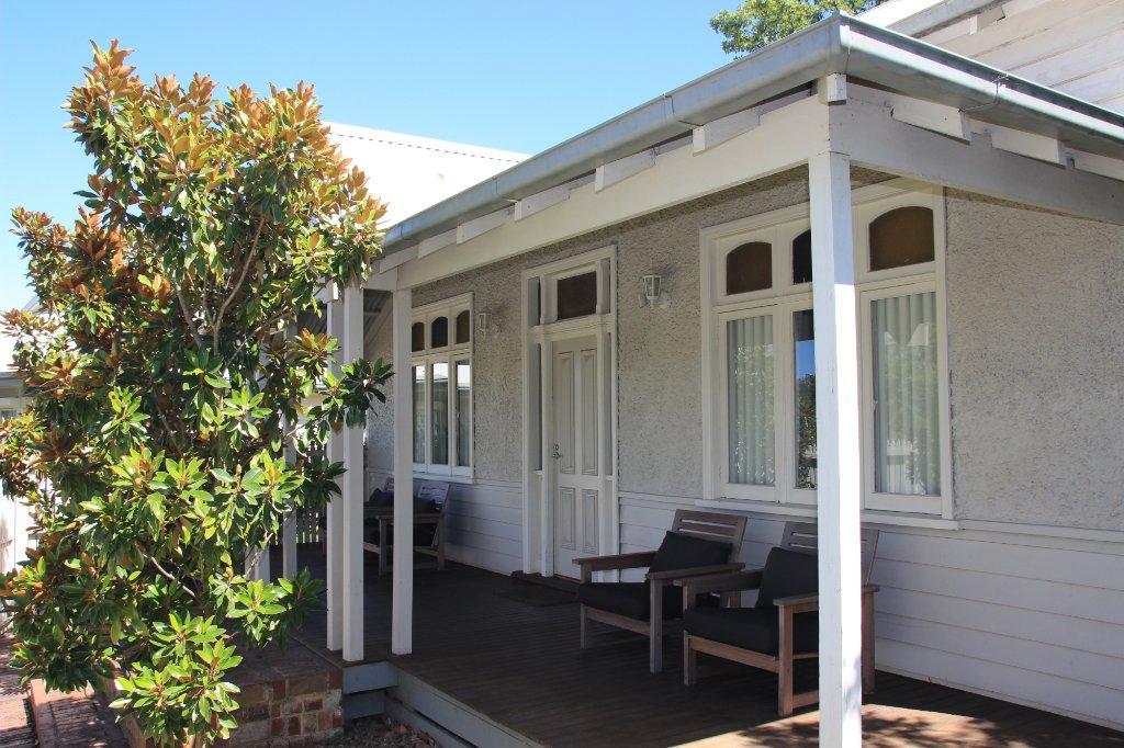 Healesville House