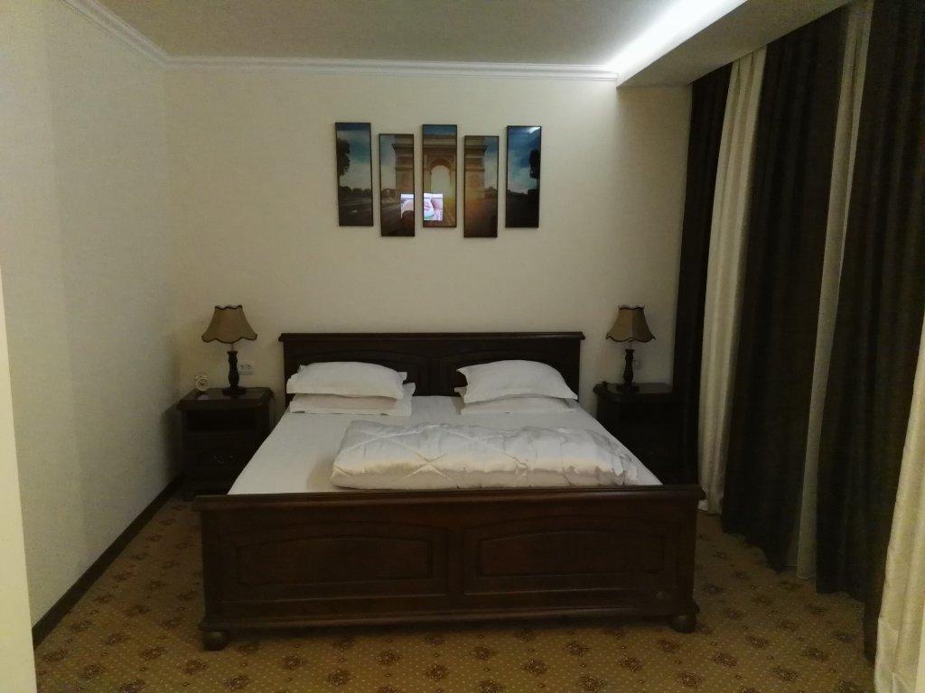 Hotel Yoshlik