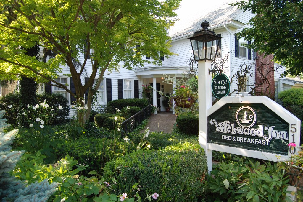 Wickwood Inn