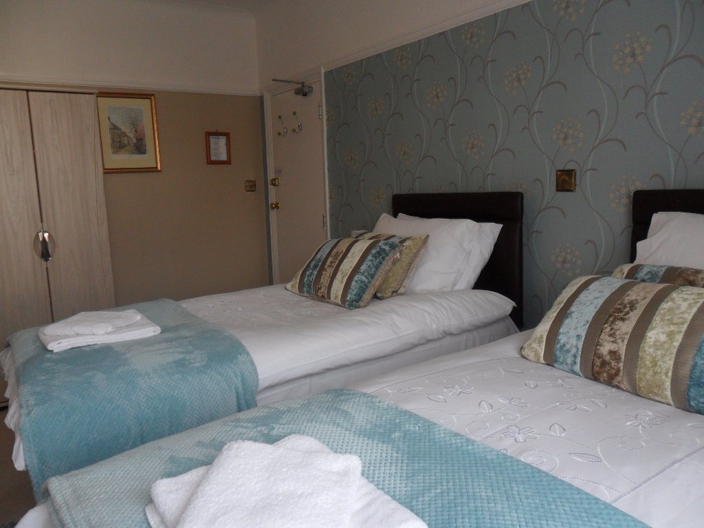 Cleave Court Bed & Breakfast