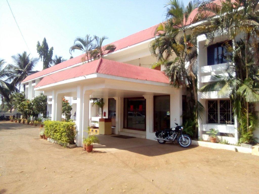 Hotel Badami Court