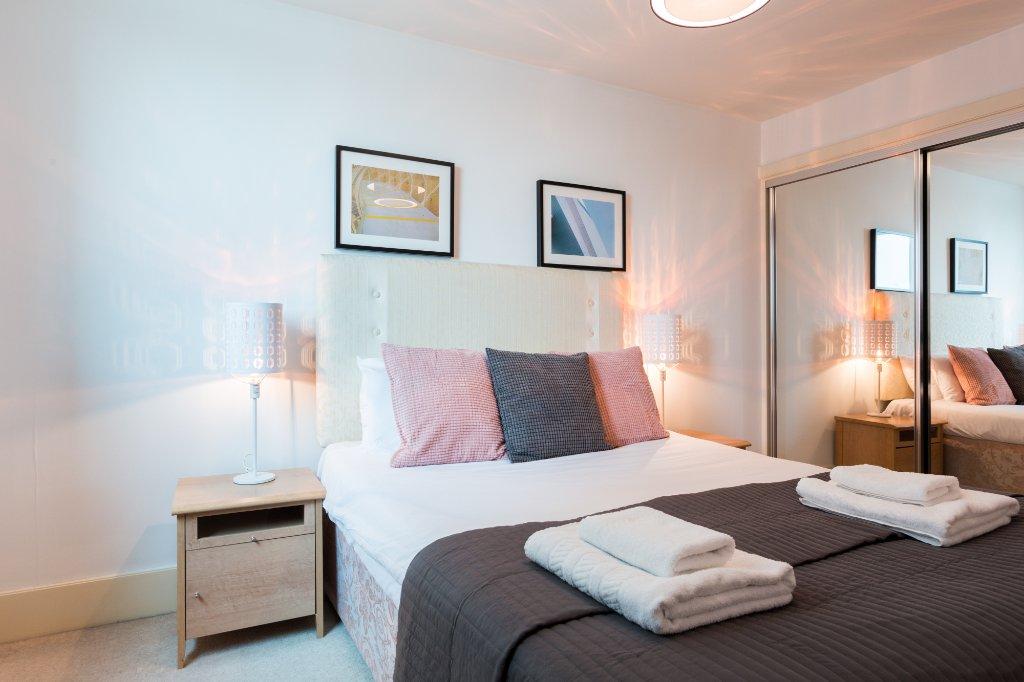 Lanterns Court, Canary Wharf Serviced Apartments