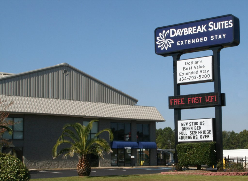 Daybreak Suites Extended Stay - Dothan