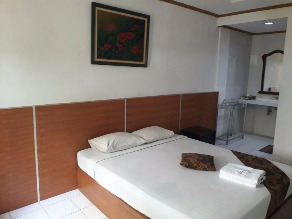 Bhinneka Hotel