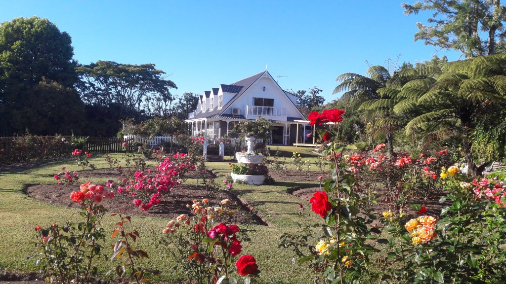 Colonial House Opotiki  Bed & Breakfast