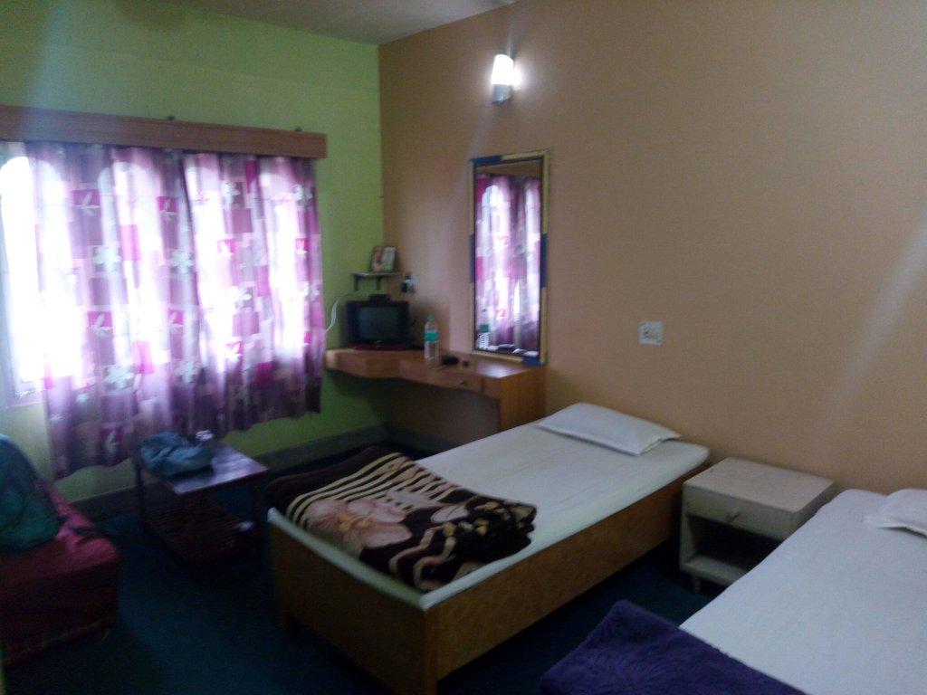 Hotel Sharda