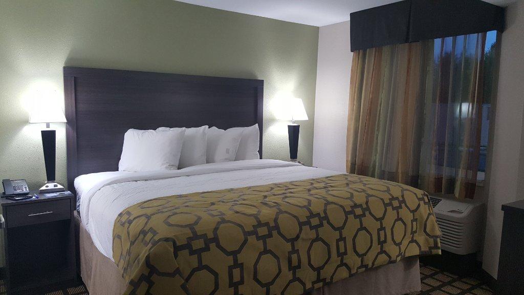 Baymont Inn & Suites Clarksville