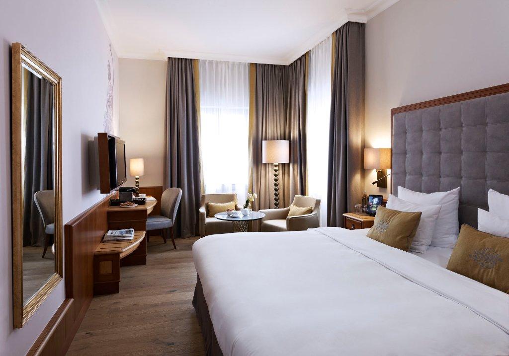 普拉茨爾酒店