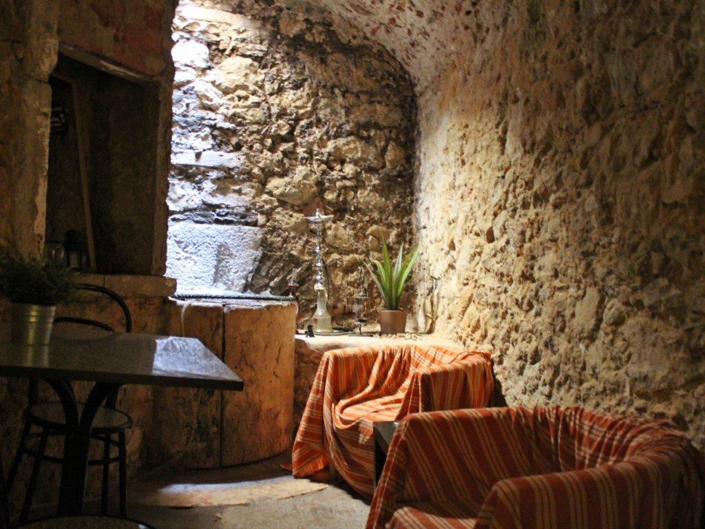 Johnies Place Lisbon Hostel & Suites