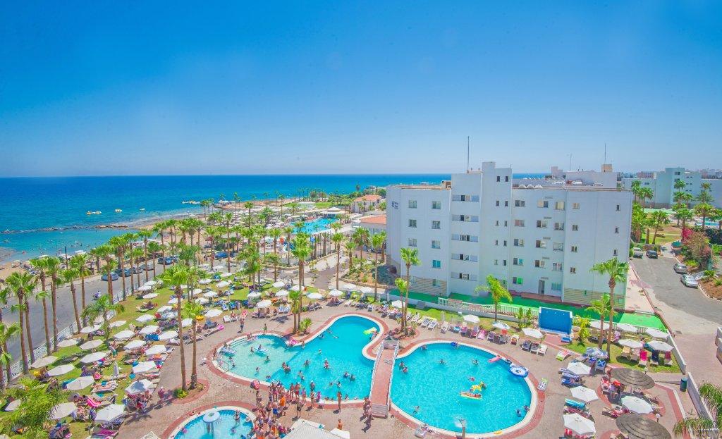阿納斯塔西海灘飯店