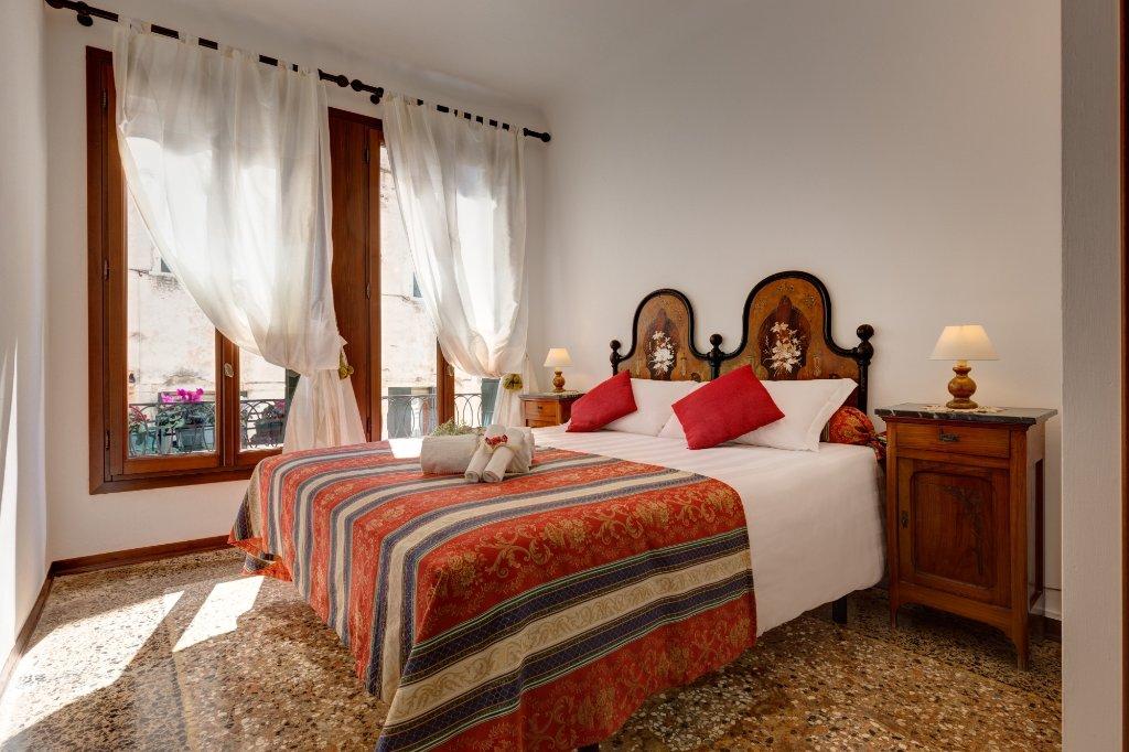 ホテル アルベルゴ サン サミュエレ