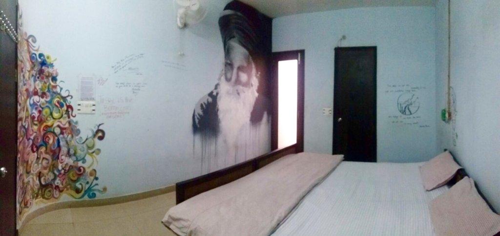 Jugaadus' Hostel