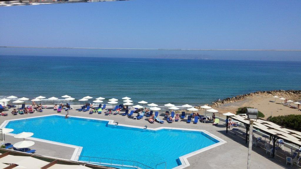 テミス ビーチ ホテル
