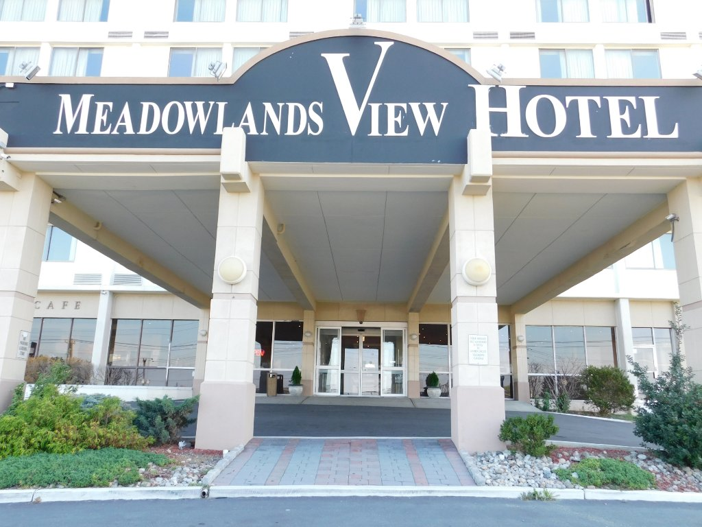 ‪Meadowlands View Hotel‬