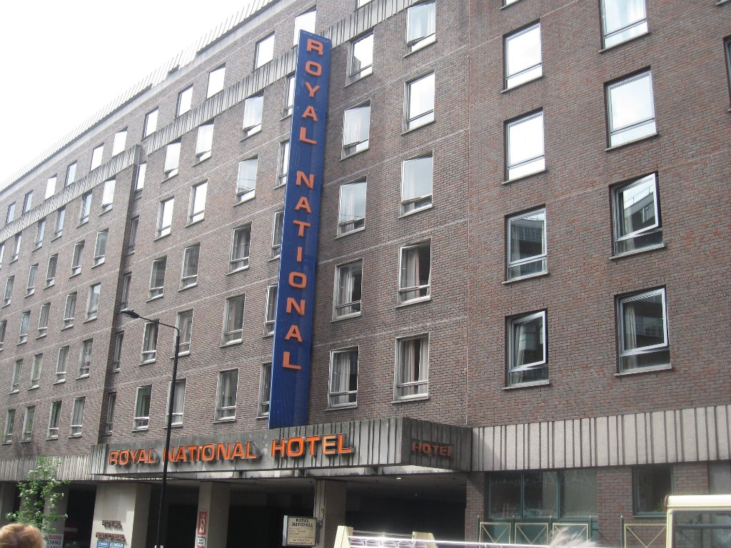 로얄 내셔널 호텔