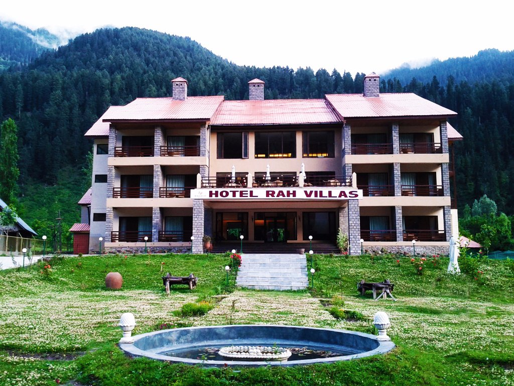 Hotel Rah Villas