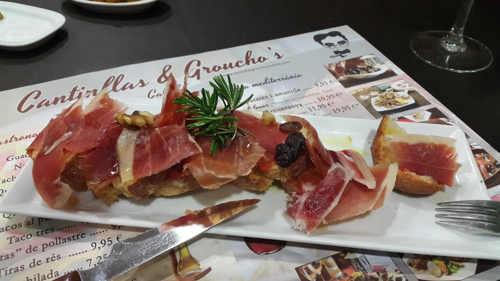 Groucho's Tapas Bar