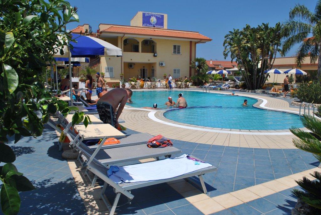 Damanse Hotel
