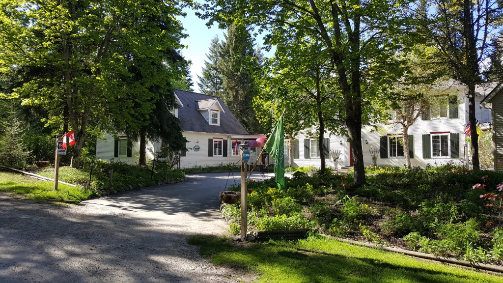 The Inn at the Ninth Hole Bed & Breakfast